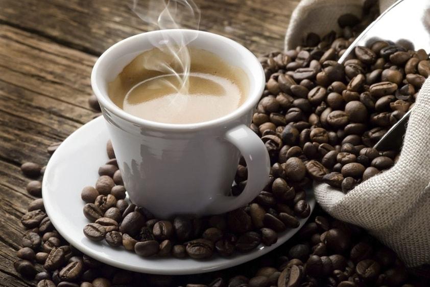 Diminuir a Quantidade de Café Pode Reduzir o Zumbido no Ouvido?