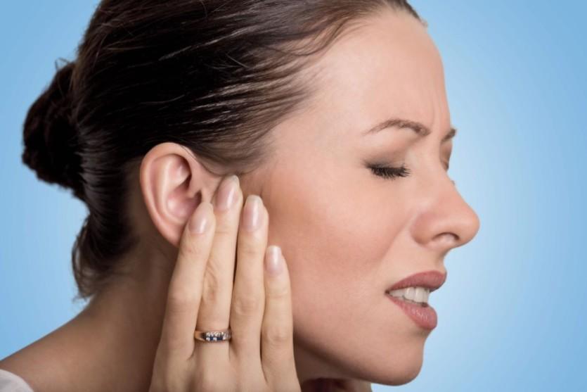 dor de ouvido quatro