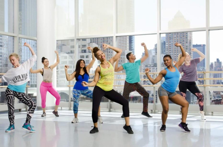 Conheça os 7 Benefícios do Programa Zumba Fitness