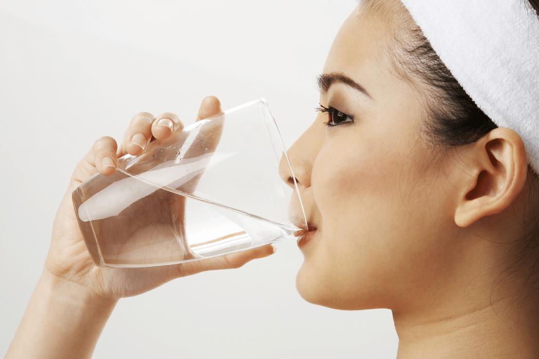 Beber Água Antes de Dormir Trará Efeitos Inacreditáveis