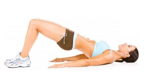 Celulite: 10 Exercícios e Dicas Caseiras para Eliminar a Celulite - elevacao-do-quadril-no-solo