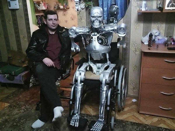 Nerd Russo Constrói seu Próprio Exterminador do Futuro
