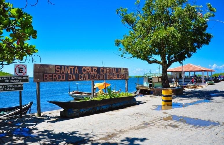 Santa Cruz Cabralia Main