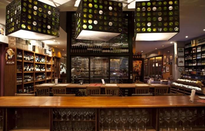 os 10 melhores lugares para tomar um ótimo vinho em São Paulo. - vino bar