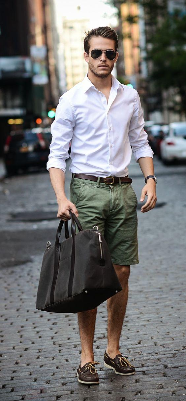 calça de alfaiataria com camisa social e mocassim