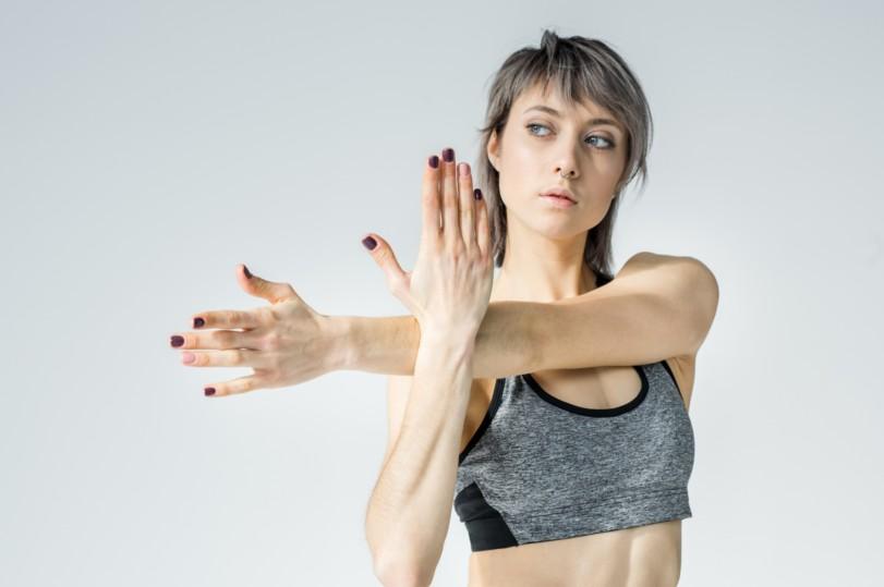 5 Exercícios Fáceis para Queimar a Gordura do Braço - Alongamento