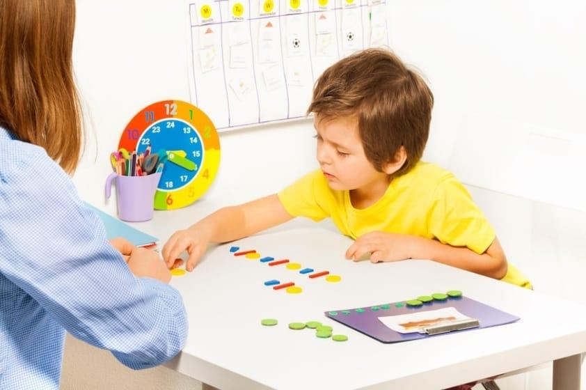 10 Principais Sinais de Autismo nas Crianças