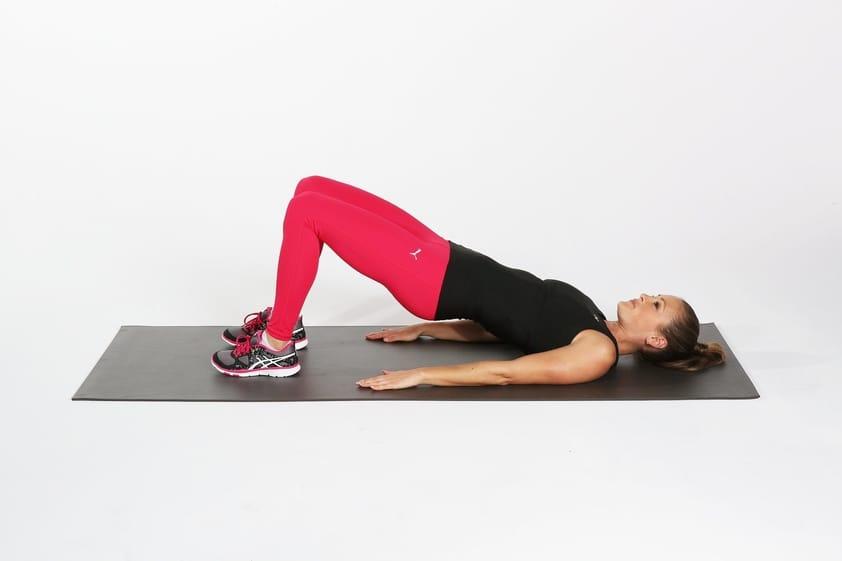 10 Exercícios de Agachamento para Glúteos que Realmente Funcionam - Faça o exercício da ponte